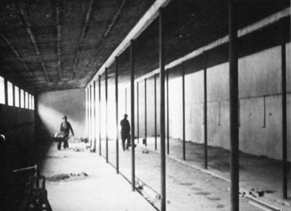Bau der Stallungen